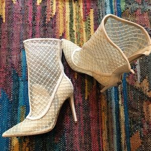 KENDALL AND KYLIE cage bootie pumps - size 6.5